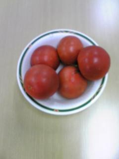 成城石井の100円トマト