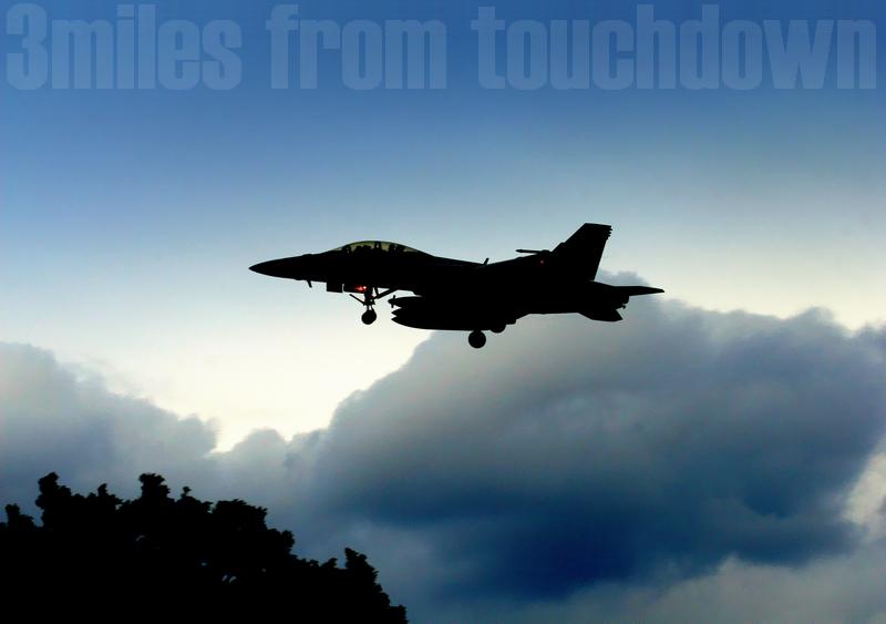 厚木基地 ちびっ子ヤング大会 と F-18ホーネットのフライイン(Fly-In)