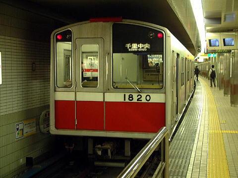 雨の降らない地下鉄御堂筋線