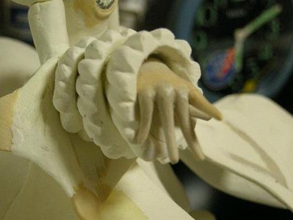 フリルの作り直しと手の製作