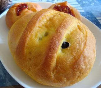 天然酵母かぼちゃパン