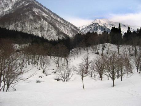 万太郎山と吊橋