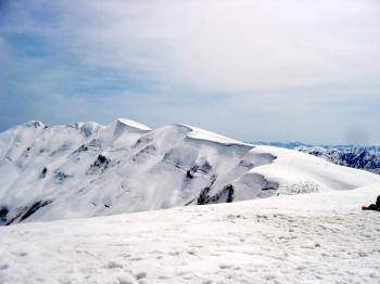 青雲岳と袴岳、よくわからない