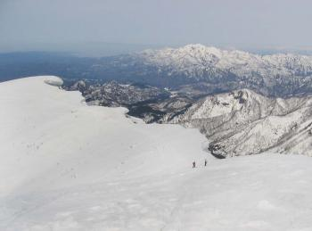 中津又岳の雪庇