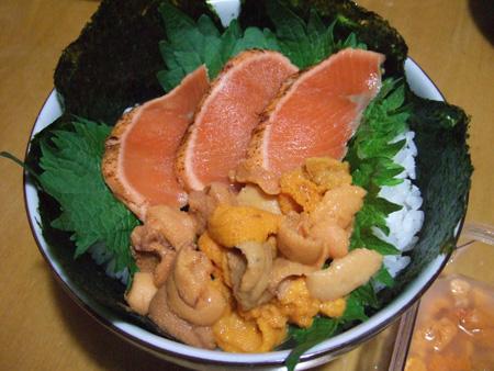 ウニ&サーモンタタキ丼