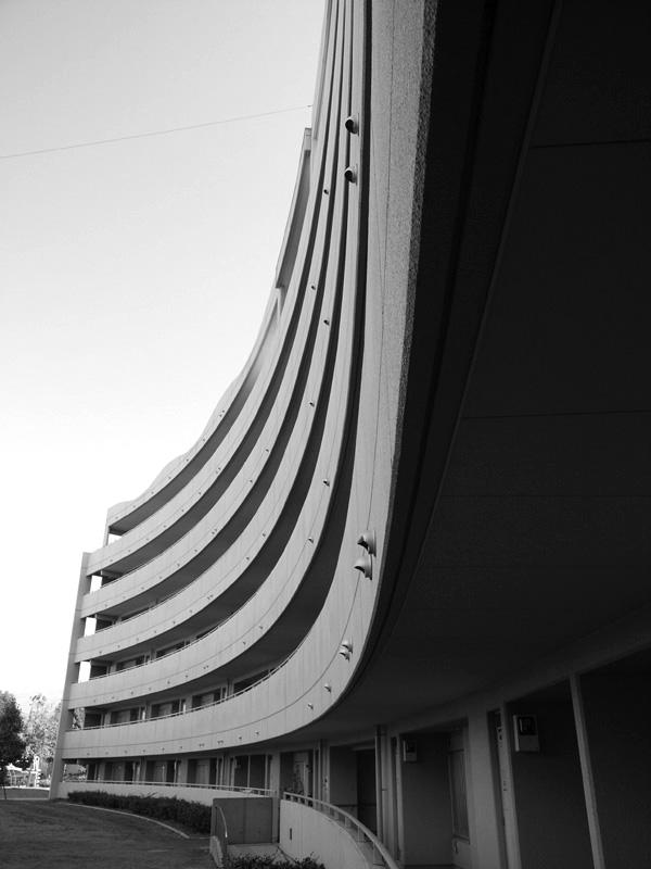 モノクロ双曲線1