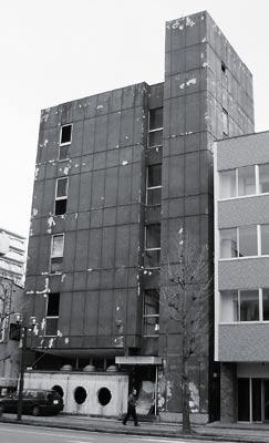 中央通り廃墟ビル