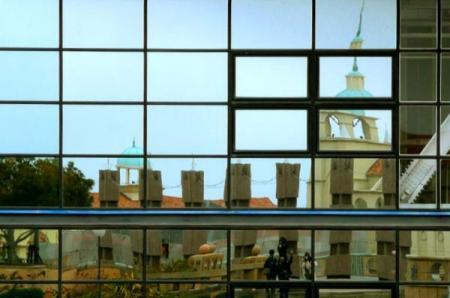 鏡面タワー