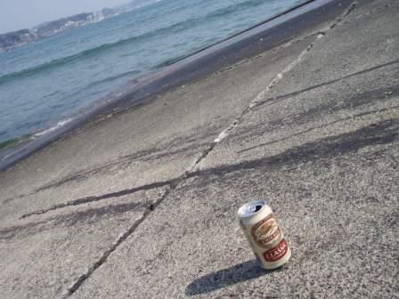 海辺でビールな日
