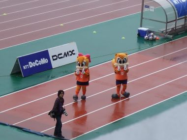 雨中の2人