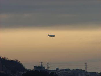 飛行船??