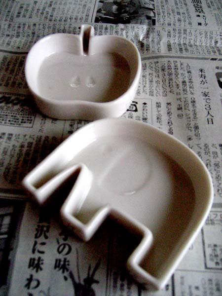 象とリンゴの器