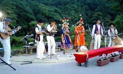 冠山総合公園しょうぶ祭夜間ライブ