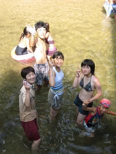 黒岩峡で水遊び