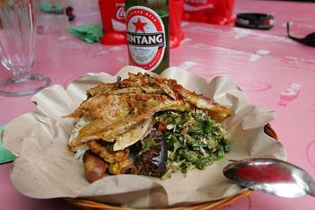 インドネシア 豚.飯スペシャル