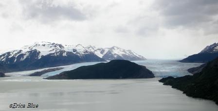 グレイ氷河遠景