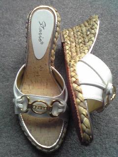 夏用白靴。