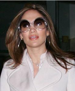 sunglasses_balenciaga_jenifferlopez.jpg