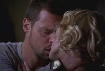 Kiss, Alex & Izzie