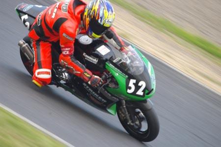 #52 ストライカーレーシング