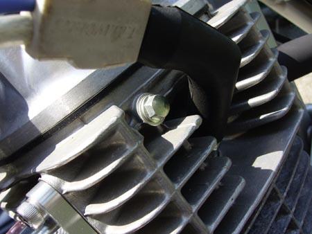 油圧確認ボルト