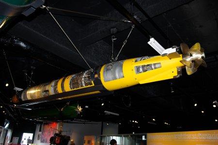 魚雷のカットモデル