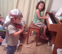 4歳と6歳の演奏会デス