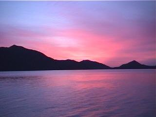 朝焼け支笏湖