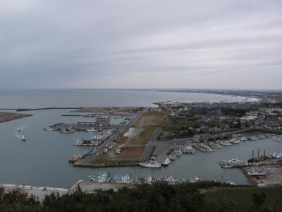 飯岡灯台の漁港