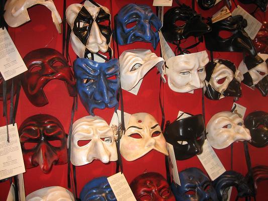 カーニバルの仮面たち1