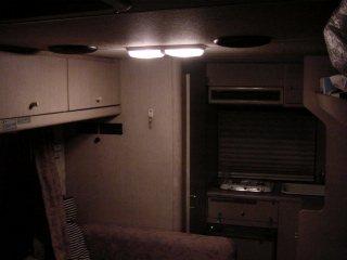 campingcarloomlamp02.jpg