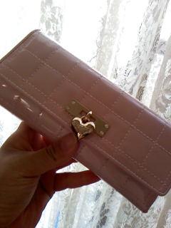 サマンサタバサの長財布