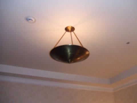 天井の電気