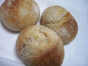 全粒粉まるパン(Y) (1)