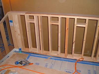 階段吹き抜けの腰壁
