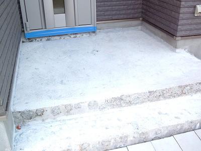 玄関の御影石のハツり