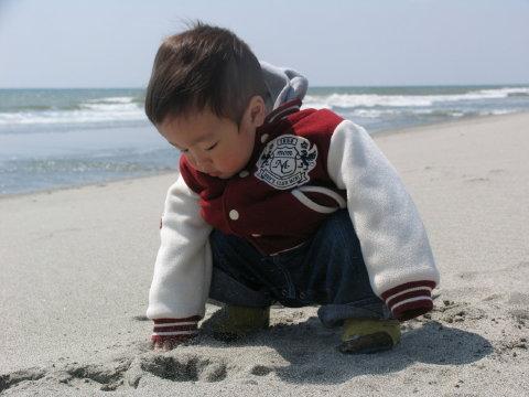 今日は砂遊び~♪