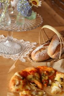 0711 ピザとライ麦パン