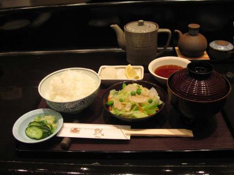 080531_2_akiba5.jpg