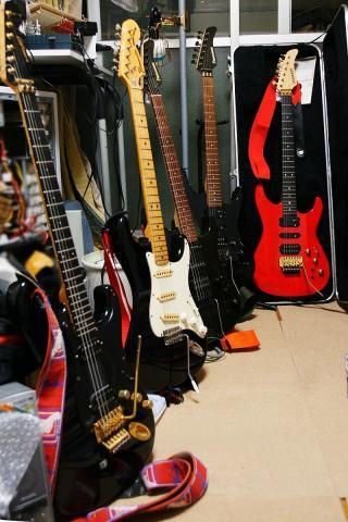 080603_guitar3.jpg