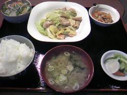 日替わり定食 650円 塩ホルモンとキャベツでした(*^_^*)