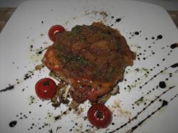 地鶏モモ肉のソテー(大根と大葉のソースジャポネーゼスタイル)