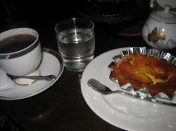 コーヒー(モカ)とケーキで幸せ~(^^)V