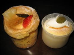 プリンシュー(左)とチーズスフレプリン(右)
