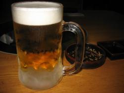 まずはビールで・・・(^^ゞ