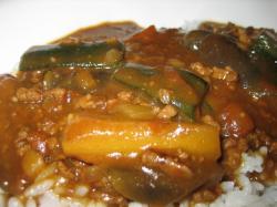 夏野菜と合挽肉のカレー