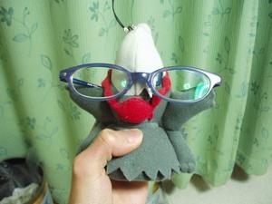 ダークライじゃなくて眼鏡。