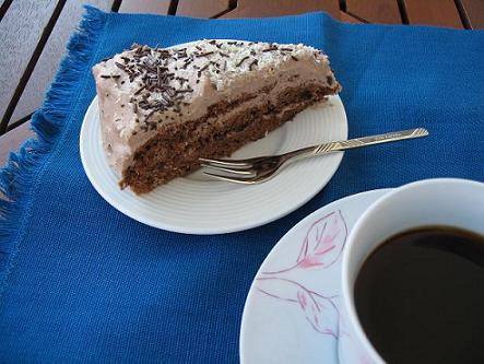 手作りケーキにカフェインレス・コーヒーでちょっとコーヒータイム・・・