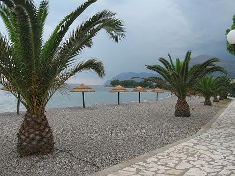 残念ながら曇りの、アッディリオのビーチ