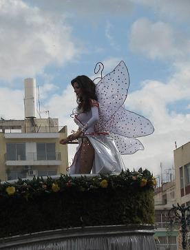 今年のカーニバルの女王です。